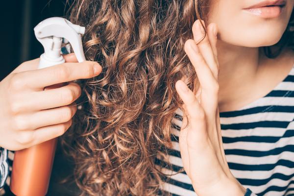 [RECETTE DIY] Spray Hydratant Cheveux Maison
